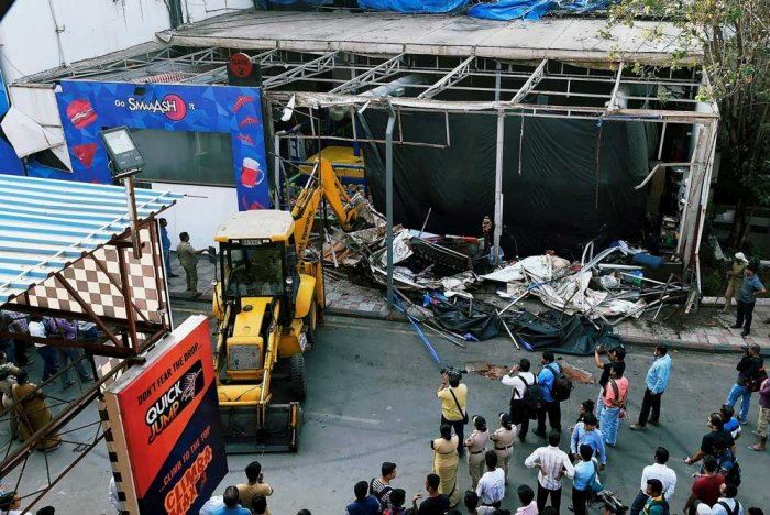 Mumbai pub fire: BMC continues crackdown on illegal structures