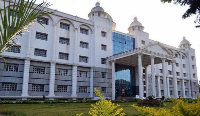 'D' Group employees at MIMS get old pay, express shock