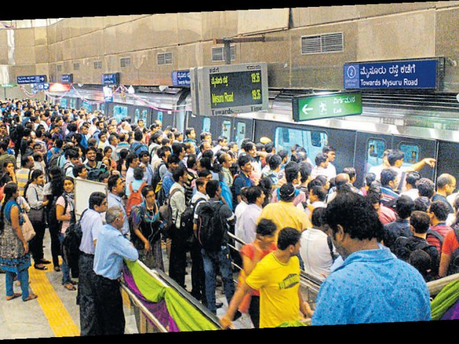 Metro delays as power supply interrupted; commuters stranded
