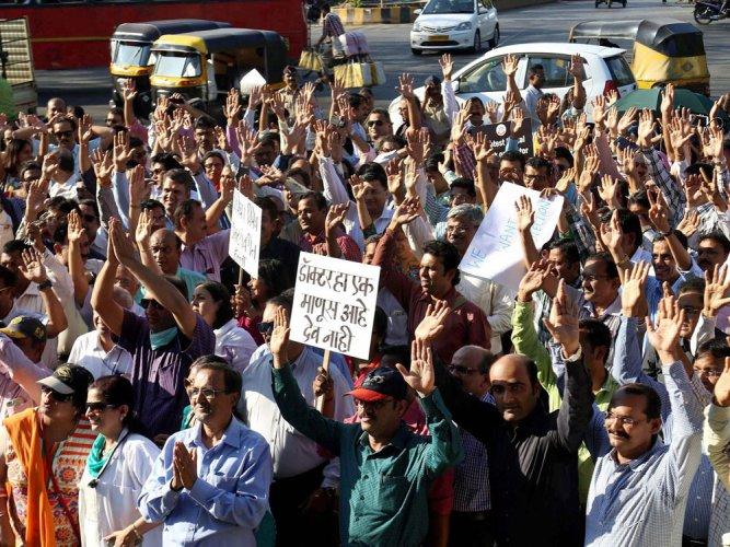 Medics protest against NMC Bill