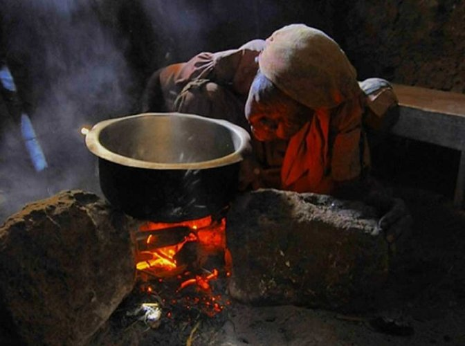 Cookstoves in India more polluting than thought: study