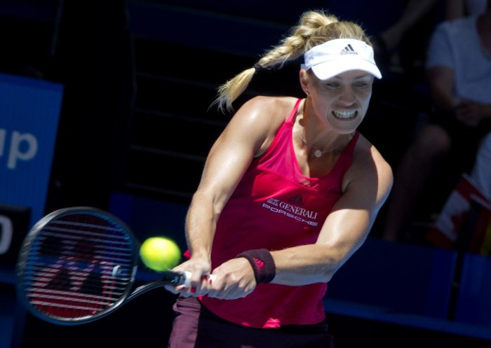 Kerber sets up emphatic 3-0 win