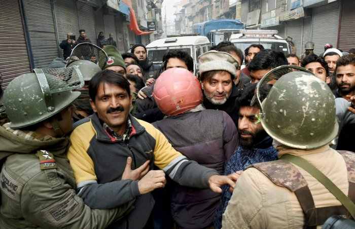 Yasin Malik arrested, Mirwaiz under house arrest
