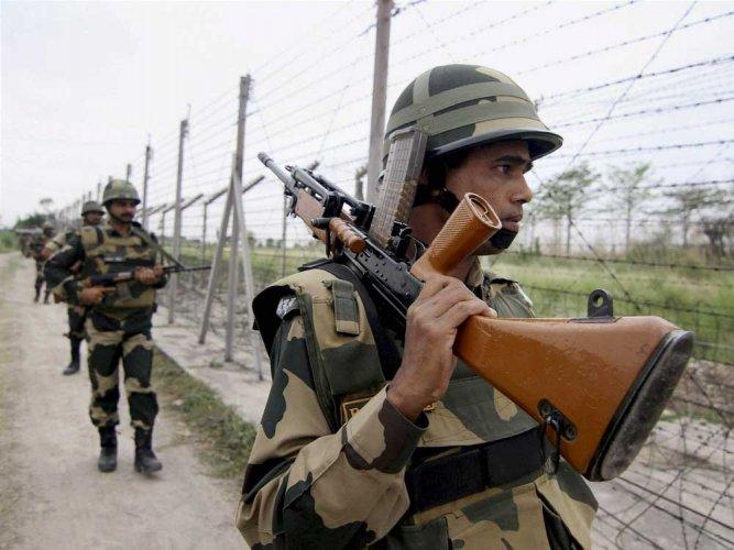 BSF kills intruder along IB; destroys 2 Pak posts