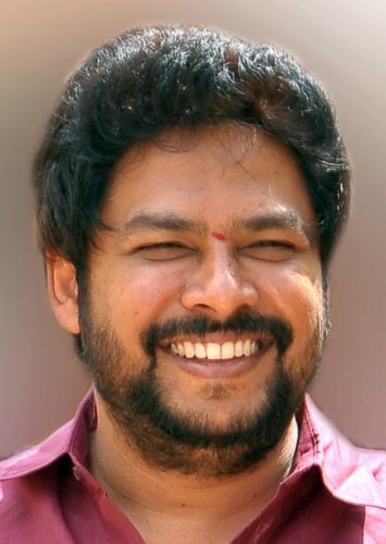 Kudligi MLA Nagendra may join Cong