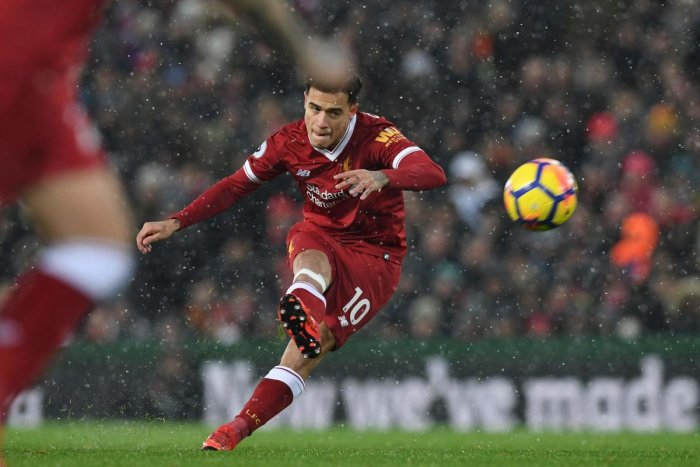 Barcelona sign Liverpool star Philippe Coutinho in 160-million-euro deal