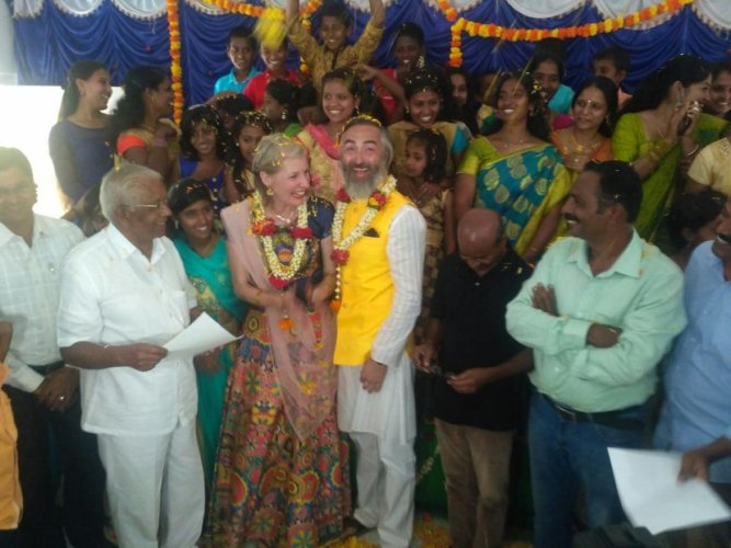 Couple from England enter wedlock under 'Mantra Mangalya' concept