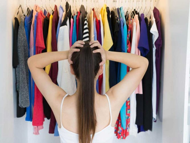 Smelling your partner's clothes could help beat stress: study