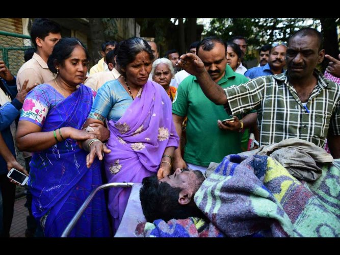 Kalasipalya fire: George declares Rs 5 lakh relief for victims' kin