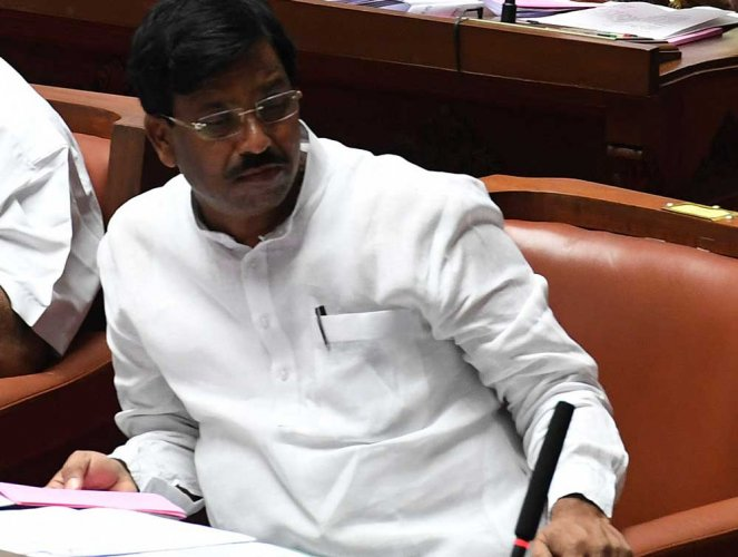 Now, Karnataka govt comes up with saree, panche bhagya