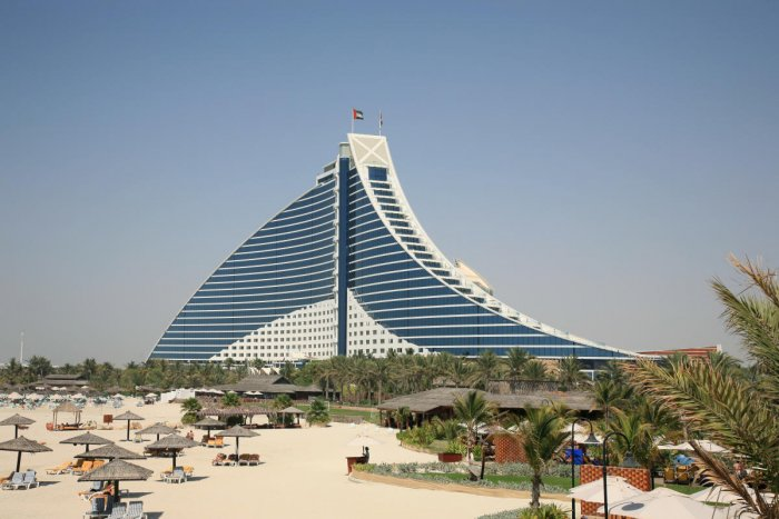 Renovations for Dubai beach hotel