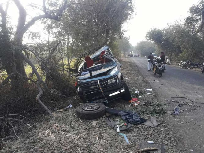 Five wrestlers killed in accident in western Maharahstra