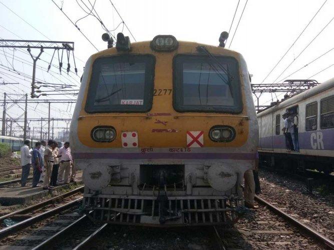 Train engine derails in UP