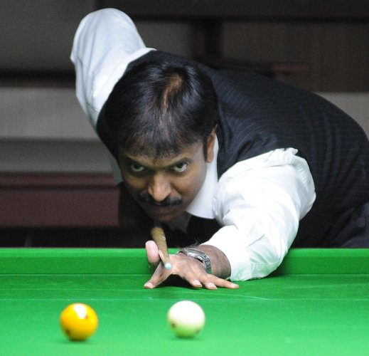 Blazing Advani enters semis