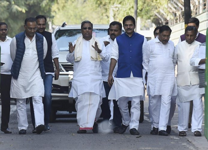 Stick to development agenda during campaign, says Rahul