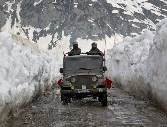 Kargil town freezes at minus 20 degrees Celsius