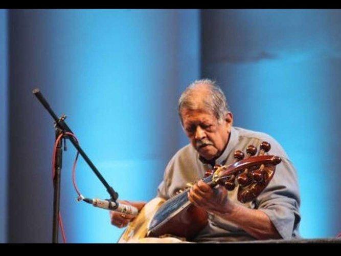 Sarod maestro Pt Buddhadev Dasgupta passes away