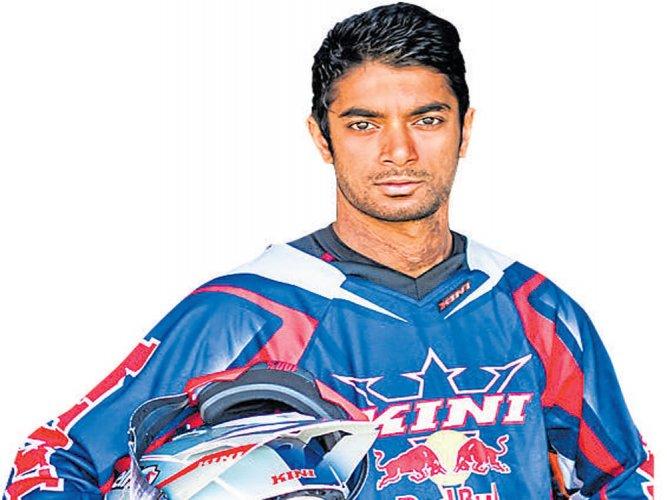 Steady Santosh overcomes tough stage