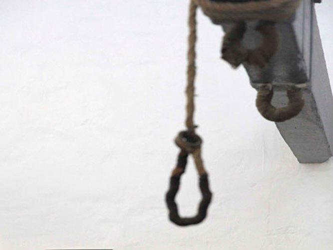 Denied for shopping, woman kills self