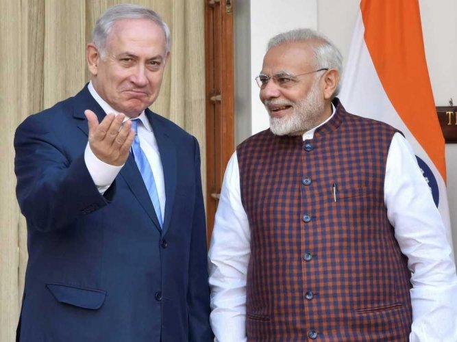 Make more in India, Modi tells Israeli defence companies