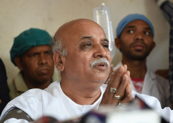 Police contradict Togadia's claims, say he was with VHP worker when ambulance arrived