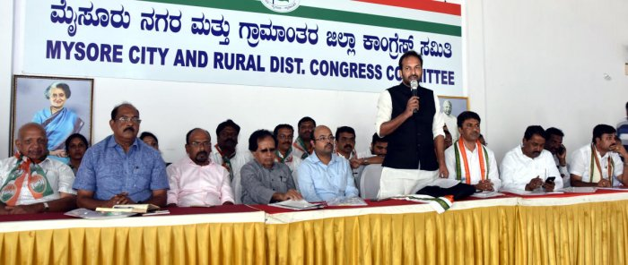 State govt introduced more schemes than Centre, claims Cong leader