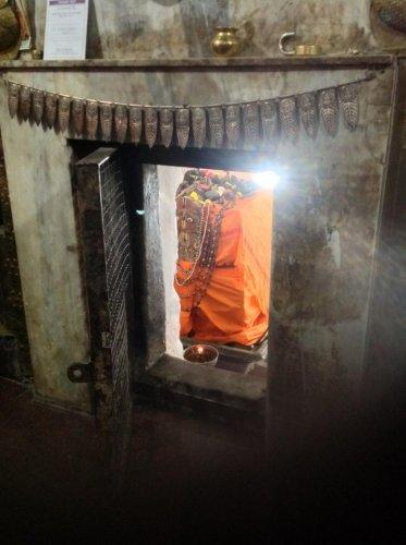 Uttaradi Mutt in Malkhed burgled again