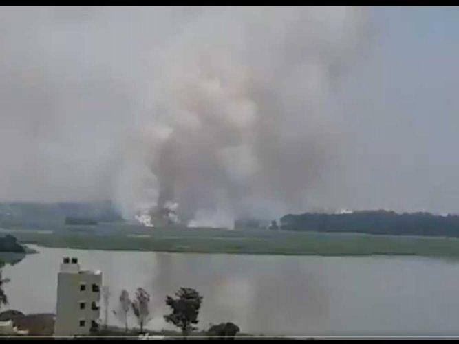 Bellandur Lake goes up in flames yet again