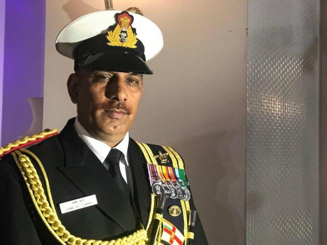 Navy band master's 30th and last parade