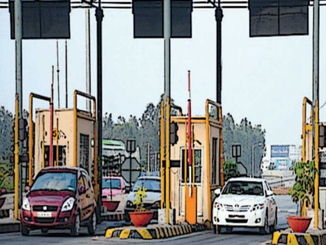 NHAI toll plazas to sell food, beverage