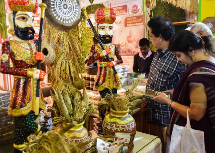 Humble millet meets grand welcome at international fair