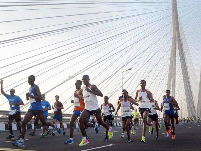 Elite runners slam organisers