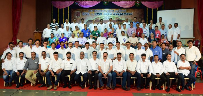 1989 batch Aloysius students fete 26 teachers, 5 support staff at reunion