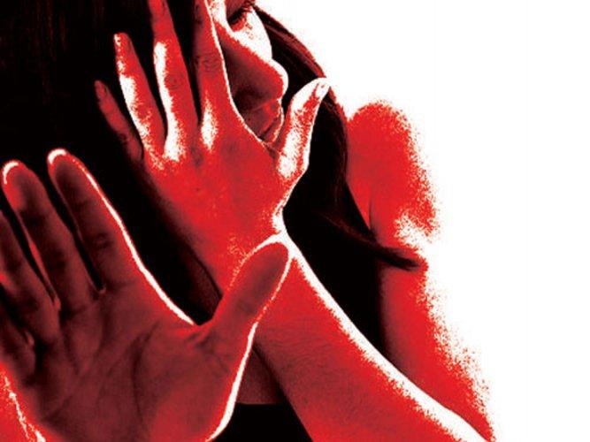 Man hurls acid at wife suspecting her fidelity