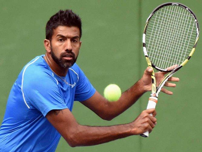 Bopanna, Sharan lose in doubles