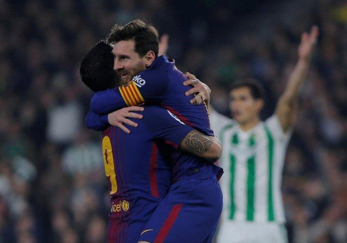 Barcelona extend league lead
