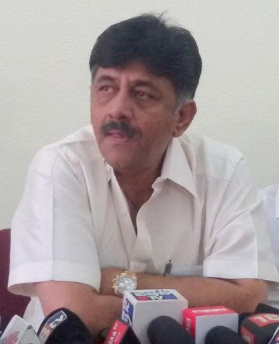 Solar parks in 100 taluks under PPP model, says Shivakumar