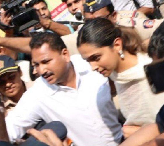 Deepika visits Siddhivinayak ahead of 'Padmaavat' release