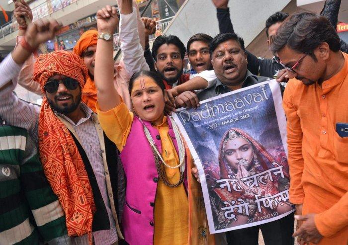 SC rejects states' plea on 'Padmaavat'