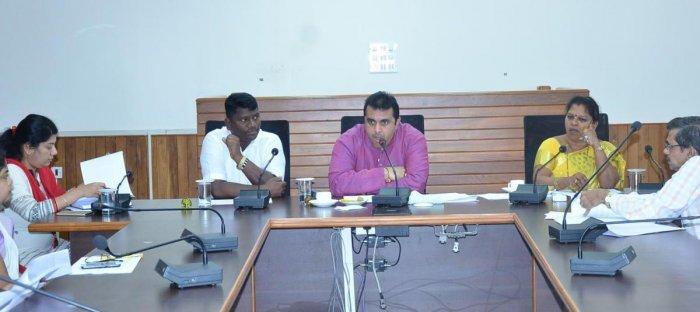 Include names back in ration cards: Pramod Madhwaraj
