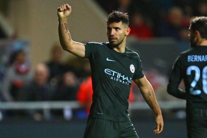 Man City storm into final