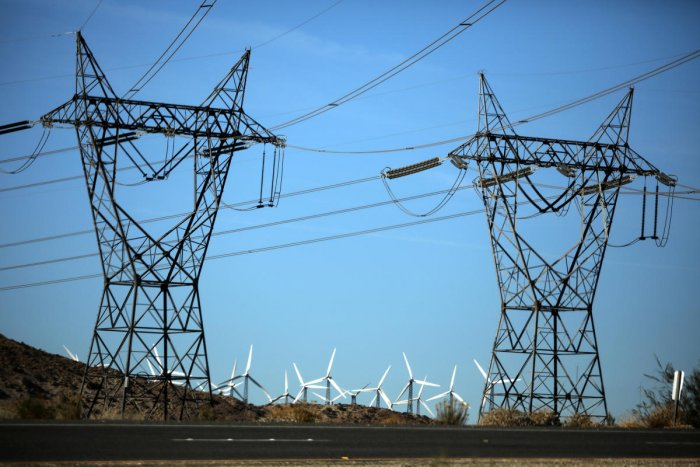 High penalty, licence renewal for discoms in electricity bill