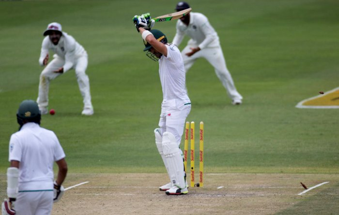 Amla holds South African innings together