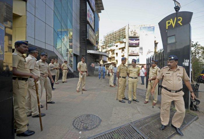 Padmaavat screened amid tight security in Mumbai