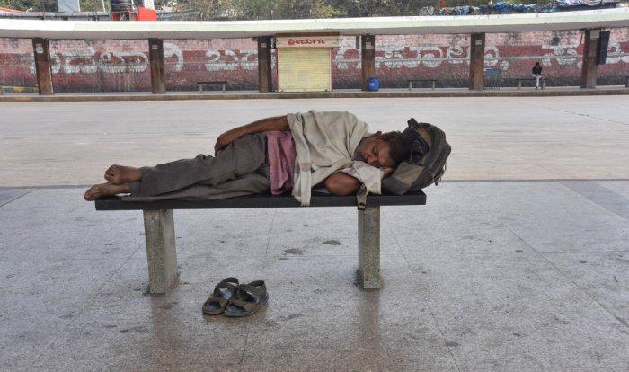 Bandh paralyses transport sector, Metro ridership below par