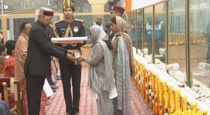 Prez turns emotional honouring Ashok Chakra at Republic Day parade
