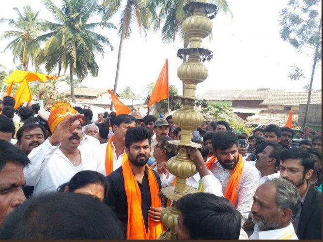 Hanuman Jayanti: MP flays assistant commissioner over restrictions