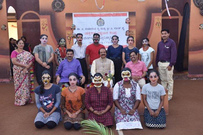 VC opens Yaksha Varna Vinyasa