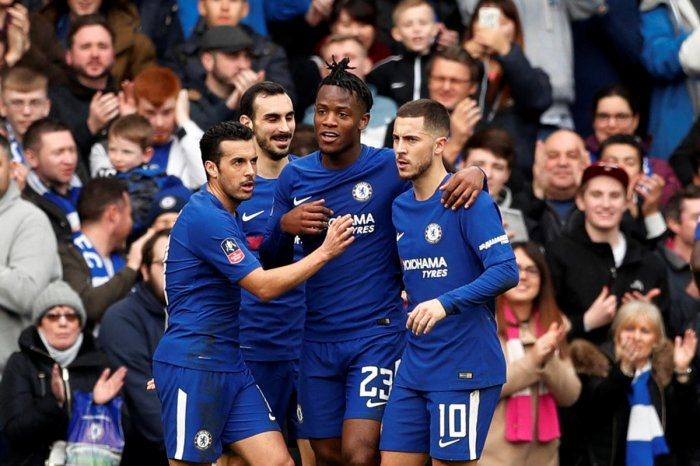 Chelsea cruise to fifth round
