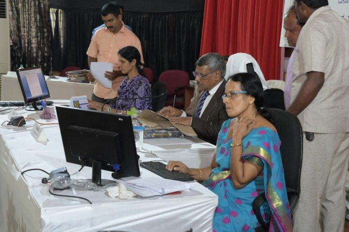 Upa Lokayukta asks DC to solve pathway problems in DK